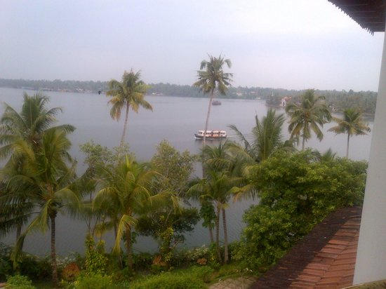 The Raviz Resort and Spa, Ashtamudi: Ashtmudhi lake view from room balcony