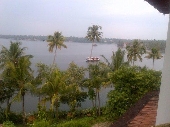The Raviz Resort and Spa, Ashtamudi : Ashtmudhi lake view from room balcony