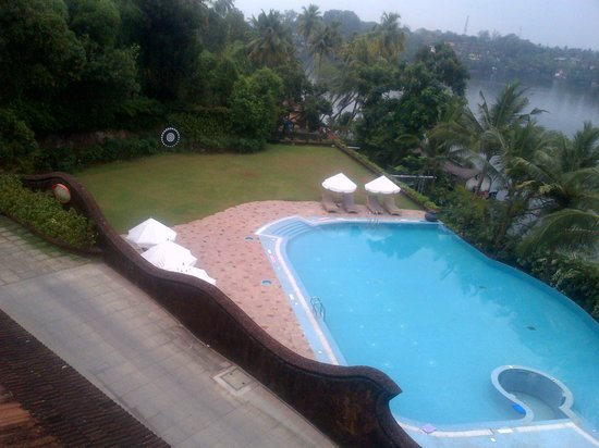 The Raviz Resort and Spa, Ashtamudi: Pool view