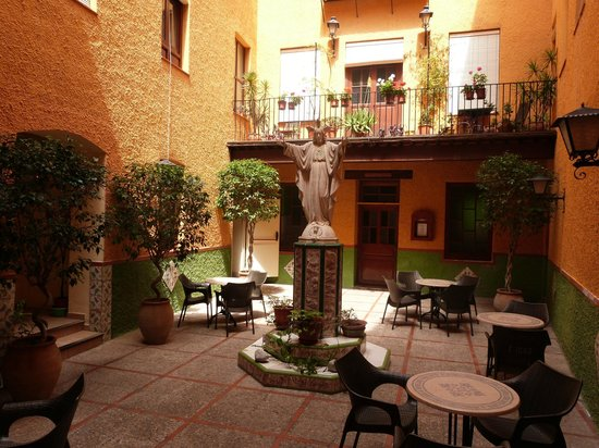 Hostal Loreto : Patio