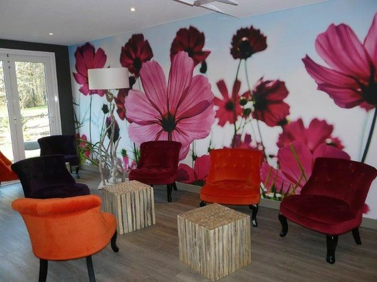 Inter-Hotel Le Garden Tours-Sud: Salon du bar