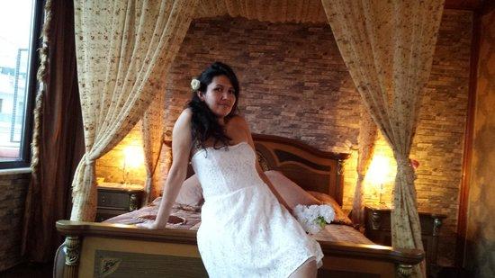 Angel's Home Hotel : la cama de matrimonio