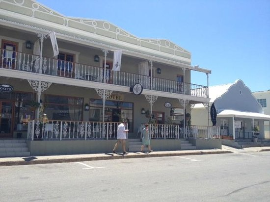 Montagu Village Market : Montagu Hotel - central and easy for business meetings