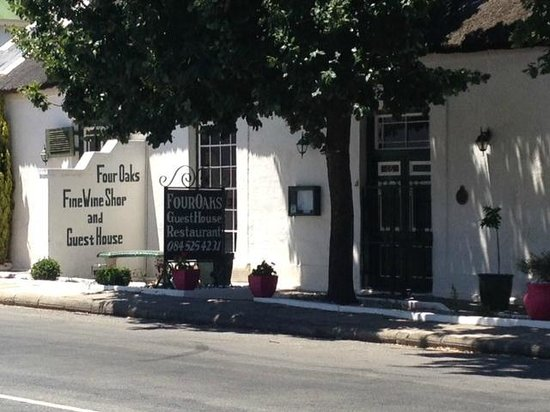 Montagu Village Market : One of the quaint places to stay