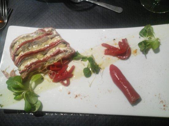 Bistrot de France : Pressé de légumes et chèvre frais de Touraine au jambon de Serrano et huile de basilic