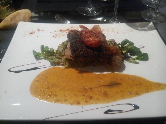 Bistrot de France : Dos de cabillaud confit au chorizo, fondue de poireaux à la crème et graines de moutarde à l'anc