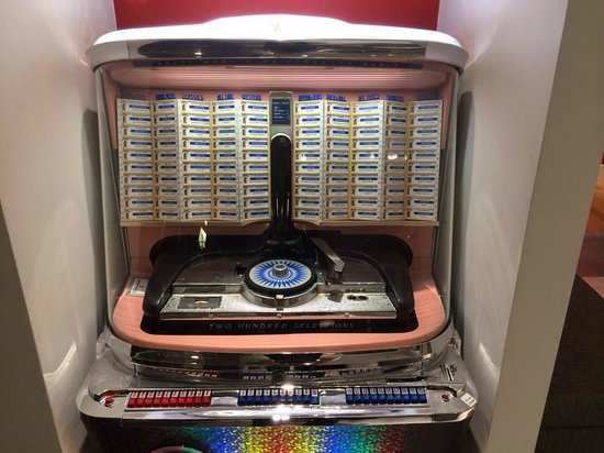 White Hotel: juke box original