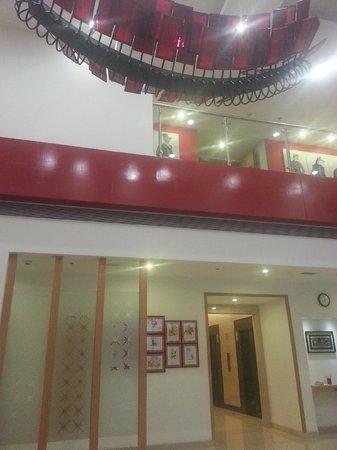 Red Fox Hotel, Delhi Airport: Lobby