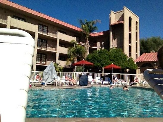 Embassy Suites by Hilton Scottsdale Resort: Pool