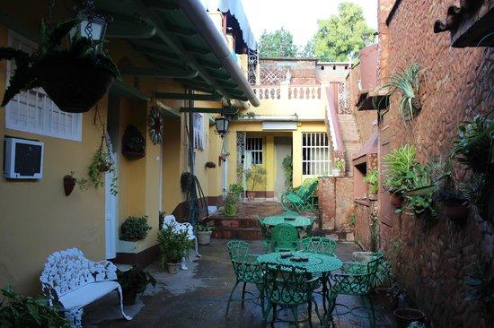 Hostal El Tayaba: The courtyard