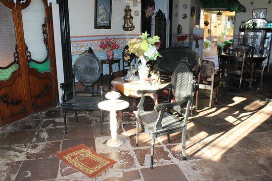 Hostal El Tayaba: Entrance