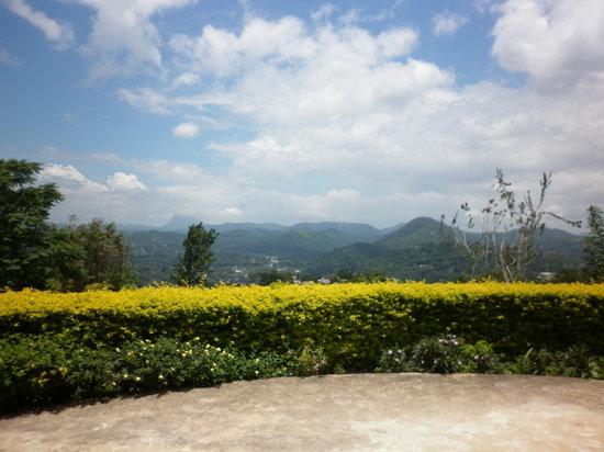 The Kandyan Villa: the garden view
