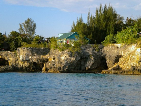 Citronella : View of Cave House from Caribbean