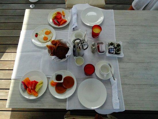 Diamonds Thudufushi : petit déjeuné terasse
