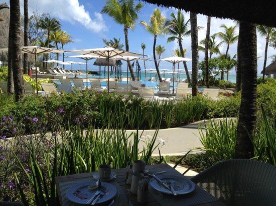 Ambre Resort & Spa: Terrasse au restaurant principal