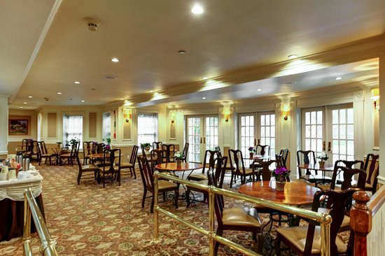 The Olde Mill Inn: Conservatory