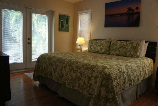 Suite Dreams Inn: Спальная комната (одна из двух)