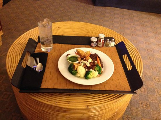 Hilton Santa Fe Buffalo Thunder : Red Sage In Your Room  meal.  Delicious!