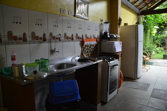 Big Hostel Brasil: Kitchen