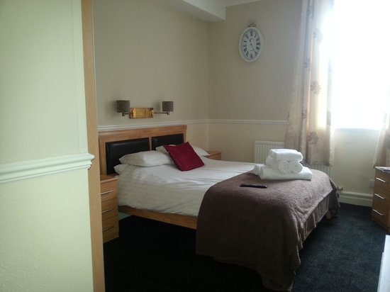 The Black Horse Hotel: room 2