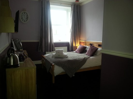 The Black Horse Hotel: room 3