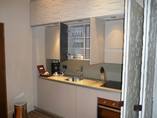 Town Hall Hotel : The Bar/Kitchen