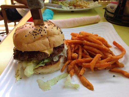 Sunshine Grill: Burger & Sweet potato fries