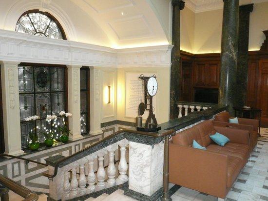 Town Hall Hotel: Hall