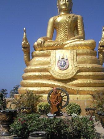 Großer Buddha von Phuket: Статуи