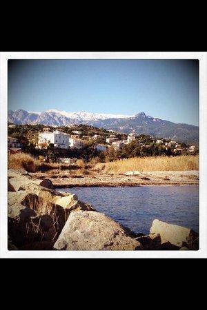 Les 3 Terrasses Hotel : Solenzara en hiver, un petit coin de paradis entre mer et montagne