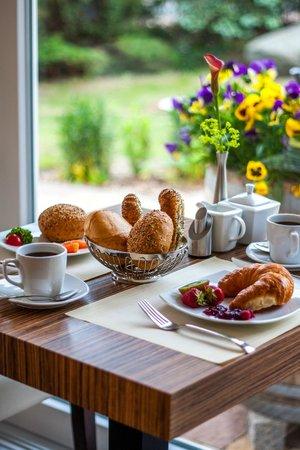 Pension Delia Will: Detailaufnahme Frühstückstisch
