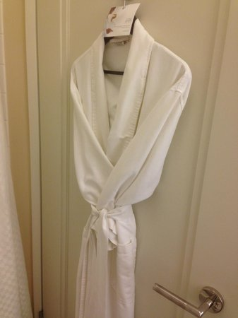 The Westin New York Grand Central : robe - not towelling robe