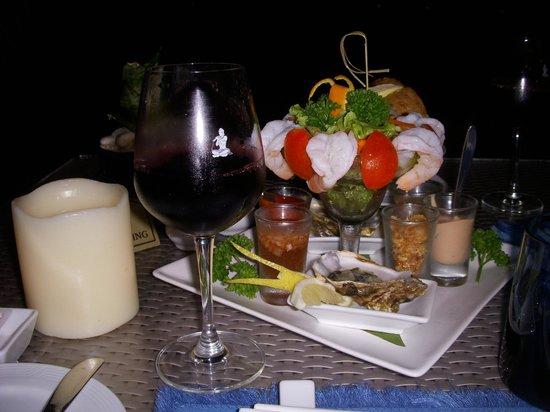 Royal Cliff Beach Terrace: beach restaurant