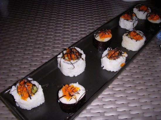 Royal Cliff Beach Terrace: sushi in beach restaurant
