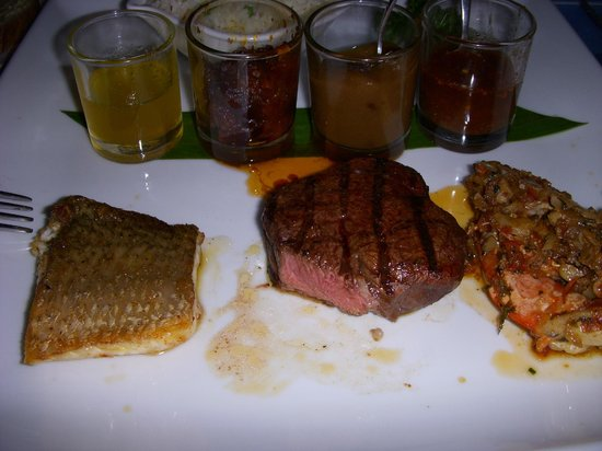 Royal Cliff Beach Terrace: fish + steak in beach restaurant