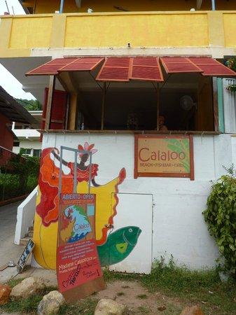 Calaloo Beach, FishBar & Grill: Calaloo Grill, from the street