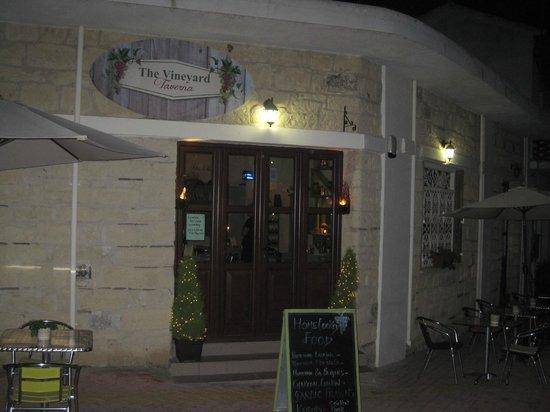 The Vineyard Taverna : Taverna