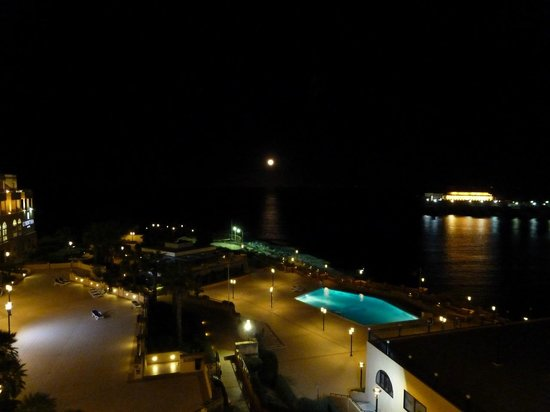 Corinthia Hotel St. George's Bay : Moonrise