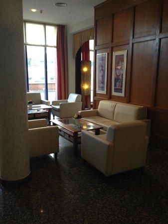 H4 Hotel Hamburg Bergedorf: Lobby