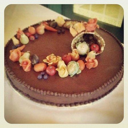 Le Canard Gourmand: Gâteau de notre pâtissière