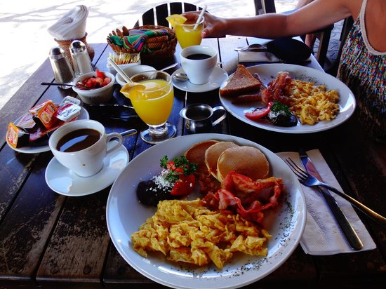 Carboncitos: Desayuno imponente...