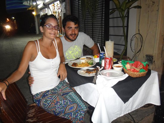 Carboncitos : Nuestra mesa de todas las noches...