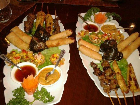 Thai Oria: 2 plats d'entrées à partager à 4 (très copieux déjà pour une entrée)