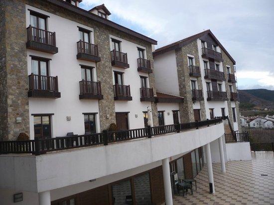 Barcelo Jaca Golf & Spa : Fachada del hotel
