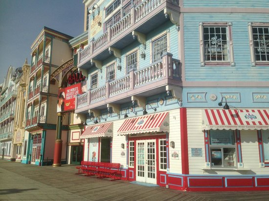 Atlantic City Boardwalk: Расписные веселенькие отели