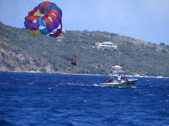Blue Reef Watersports - Parasailing