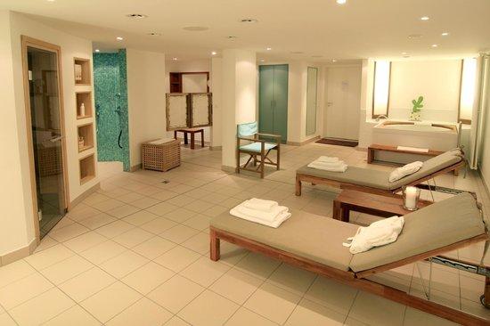 """Hotel Der Wilde Schwan: """"Privat Spa"""" mit einer Sauna, Regenwald-Dusche und Wannenbad"""