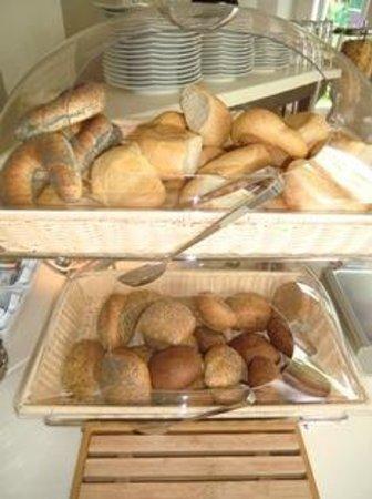 Pension Delia Will: Brötchen aus heimischer Traditionsbäckerei