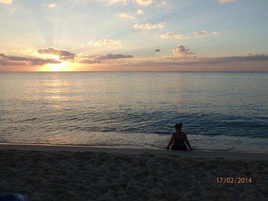 Allegro Cozumel : Coucher de soleil à la plage