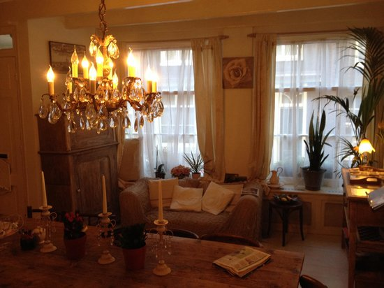 Amsterdam At Home : Beautiful living room